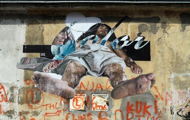 Renaissance-Street-Art-by-Yola-04